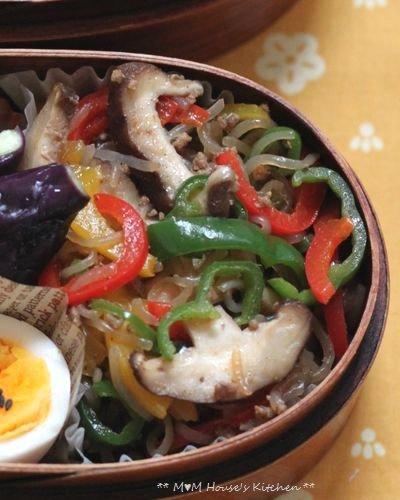こんにゃくチャプチェ弁当 ☆晩ご飯は、大根と鶏肉のこってり煮♪_c0139375_12113441.jpg