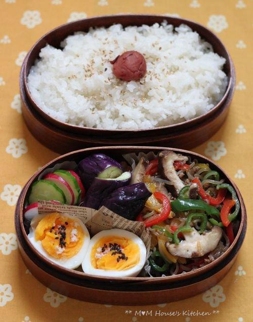こんにゃくチャプチェ弁当 ☆晩ご飯は、大根と鶏肉のこってり煮♪_c0139375_12115559.jpg