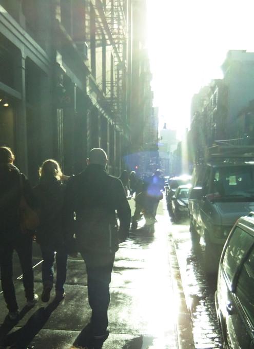 神々しさすら感じるニューヨークの冬の陽射し_b0007805_0433379.jpg