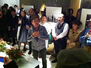 ハービー・山口写真展「HIKARI」オープニングパーティーに。_b0194208_23185843.jpg