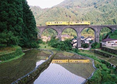 東峰村のめがね橋がライトアップされています_f0225817_1331783.jpg