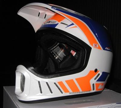 ついに、ついに入荷した、JT Racing ALS-02 ヘルメット_f0062361_20112119.jpg