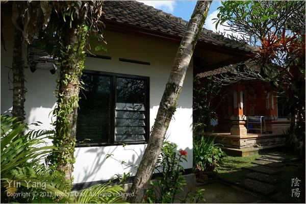 定宿から定宿へ、バリ島_e0139738_13525991.jpg