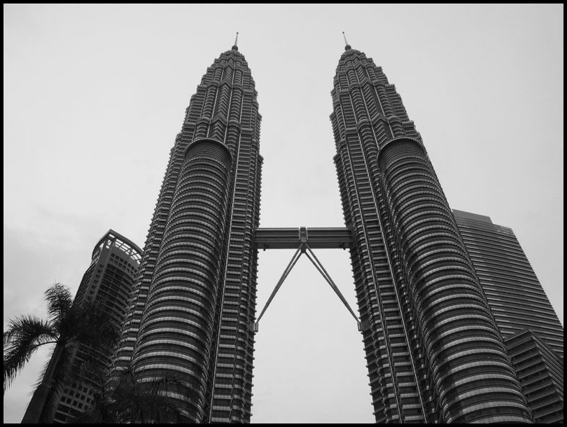 マレーシア出張2011(1)―PETRONAS Twin Towers―_b0043304_2223216.jpg