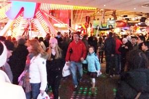 クリスマス前のニューヨーク、今年もトイザラス(タイムズスクエア店)は24時間営業中_b0007805_225628.jpg