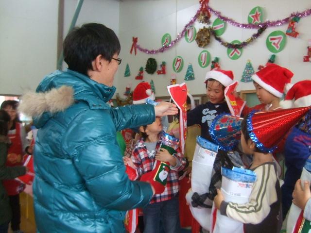 クリスマス会_d0166047_1129596.jpg