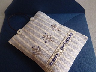 scent bag  クリスマスの刺しゅう その1_a0165160_637401.jpg