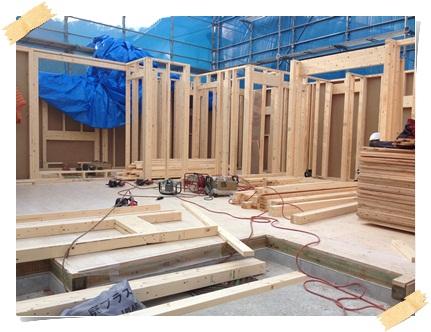 着工30日目、2×4工法の建方工事(現地組立の場合)_c0176271_2242716.jpg