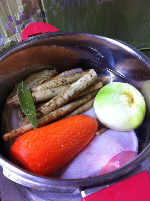丸ごと野菜の!_b0232958_2353080.jpg