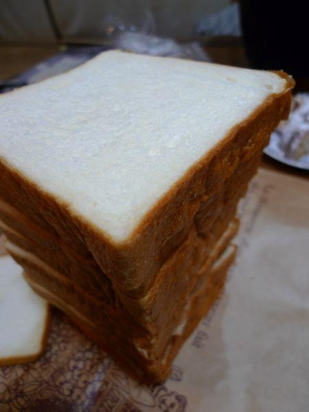 天然酵母石窯パン「もんぺおばさん」  (滋賀県栗東市)_d0108737_114089.jpg