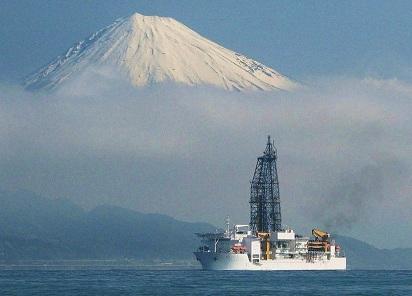 人工地震と深海掘削の裏側を見る contemporary navigation_c0139575_229784.jpg