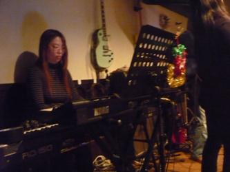 2011年、カラフル年末ライブのライブレポ:その1。_e0188087_1123144.jpg