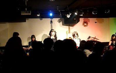 2011年、カラフル年末ライブのライブレポ:その1。_e0188087_2265899.jpg
