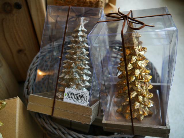 クリスマス・セールがやってきた~♪ やぁ やぁ やぁ~~~♪_d0237564_14305870.jpg