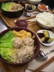 12/21晩ごはん:鶏団子とキャベツの小鍋仕立てスープ_a0116684_220671.jpg