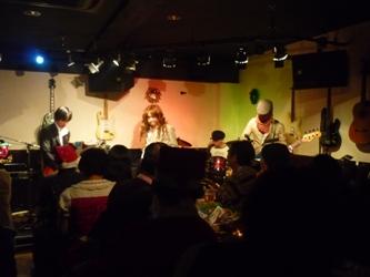 2011年、カラフル年末ライブのライブレポ:その1。_e0188087_0151738.jpg