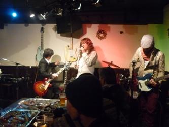 2011年、カラフル年末ライブのライブレポ:その1。_e0188087_0204614.jpg