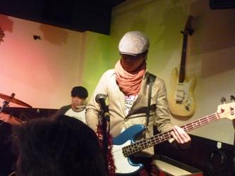 2011年、カラフル年末ライブのライブレポ:その1。_e0188087_022245.jpg