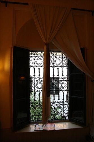旅日記 モロッコ・パリ JAN2011 その11 マラケシュからパリへ_f0059796_2312292.jpg