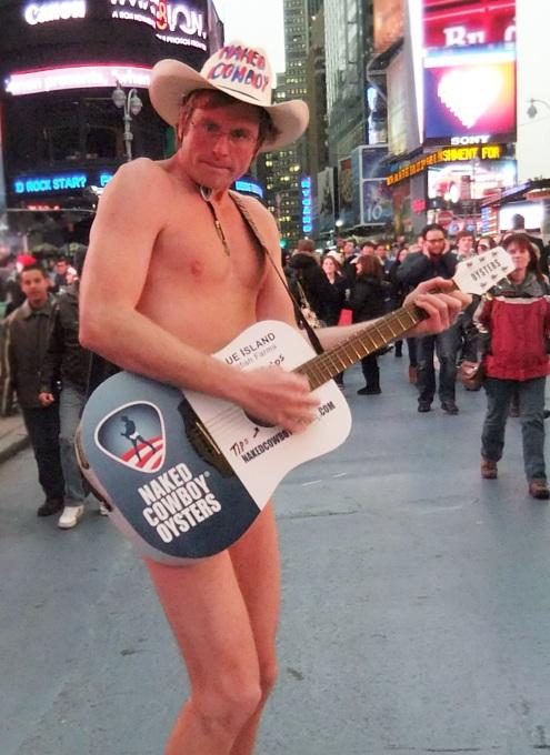 ニューヨーク名物、裸のカウボーイに新人くん登場???_b0007805_2282298.jpg