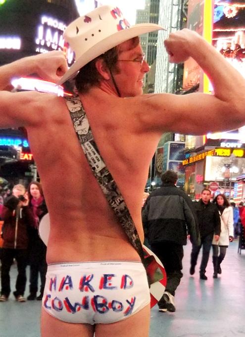 ニューヨーク名物、裸のカウボーイに新人くん登場???_b0007805_2283115.jpg