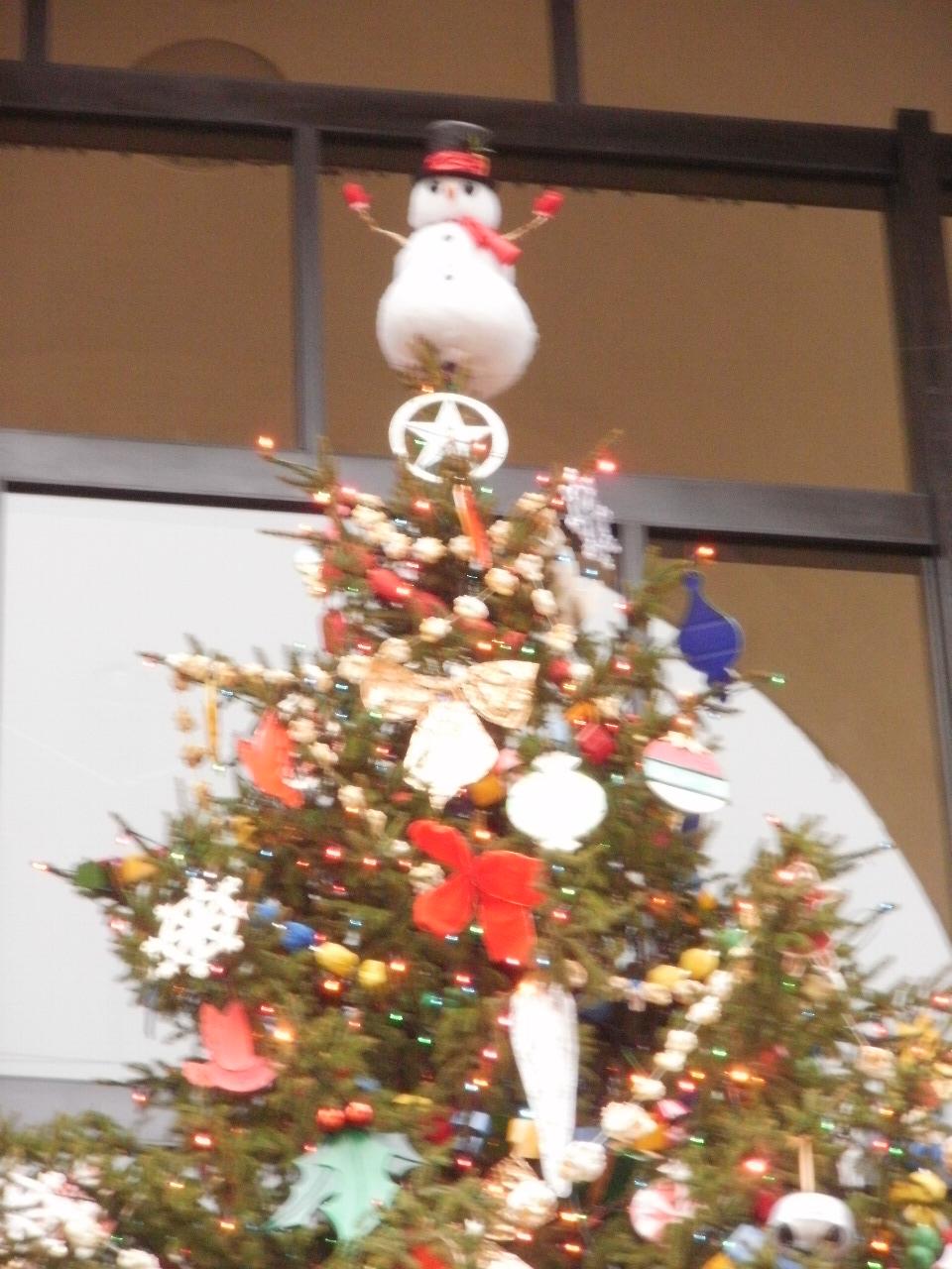 リンカーンセンターのクリスマスツリー_f0095325_134738.jpg