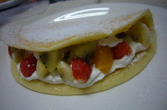 Fruits omelet pancake. _c0153966_17544149.jpg