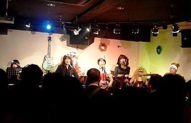 2011年、カラフル年末ライブのライブレポ:その1。_e0188087_2113478.jpg
