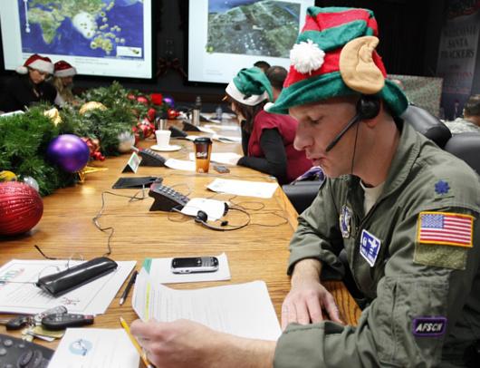 今年もNORADがクリスマス・イブのサンタさんの旅路をライブ中継準備へ_b0007805_19393358.jpg