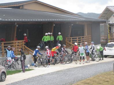 自転車競技連盟の合宿が始まりました!!_f0121321_208195.jpg