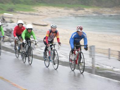 自転車競技連盟の合宿が始まりました!!_f0121321_2091032.jpg