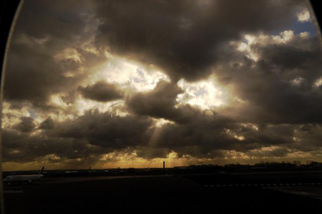 真夜中に数年前の飛行機の窓からの宇宙の神秘を思い出して_a0031363_7453593.jpg