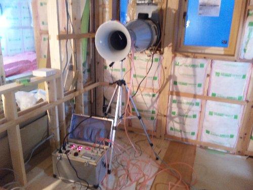 外壁完了・内部下地・気密測定1回目_e0253977_1265615.jpg