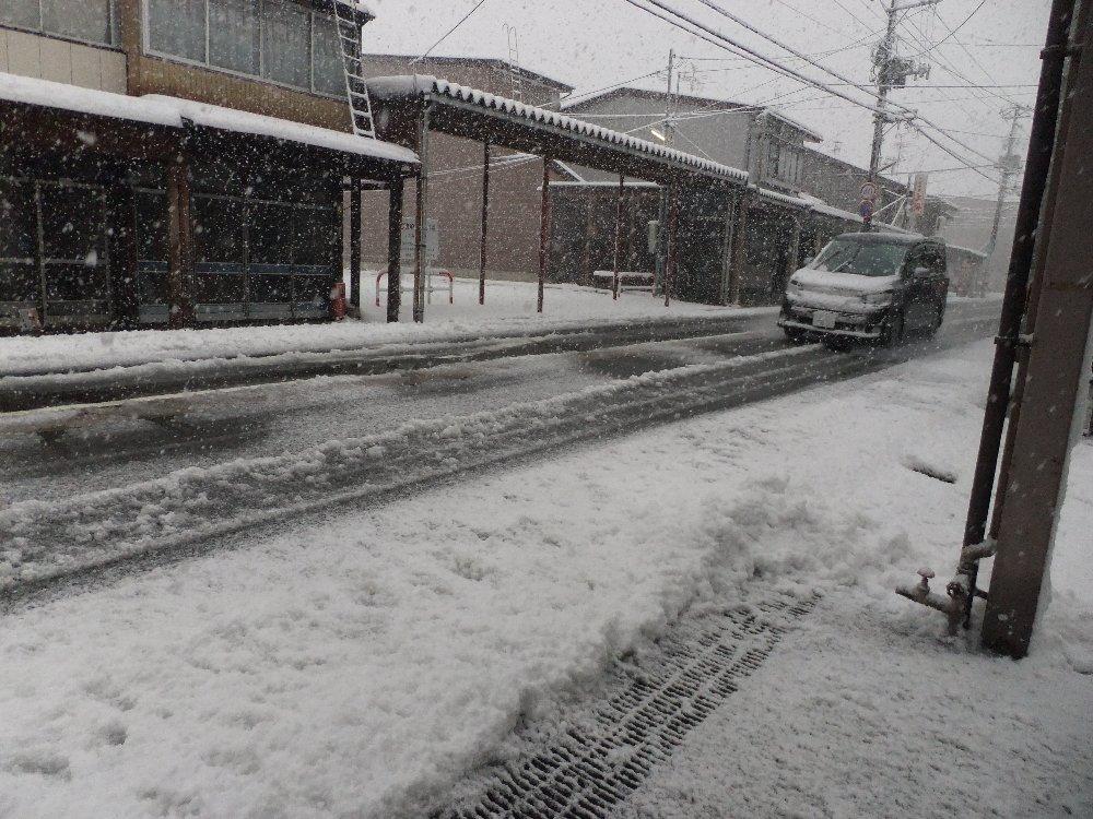 雪の状況_e0087201_903239.jpg