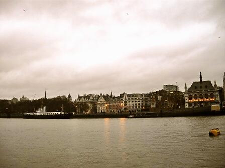 ロンドンをふらり~~♪_d0104926_18531342.jpg