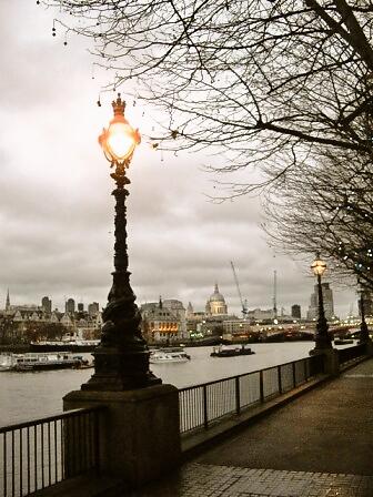 ロンドンをふらり~~♪_d0104926_18543021.jpg