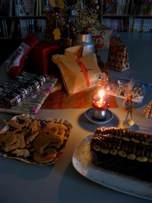 クリスマスクッキーを作りつつ……_f0207434_18142156.jpg