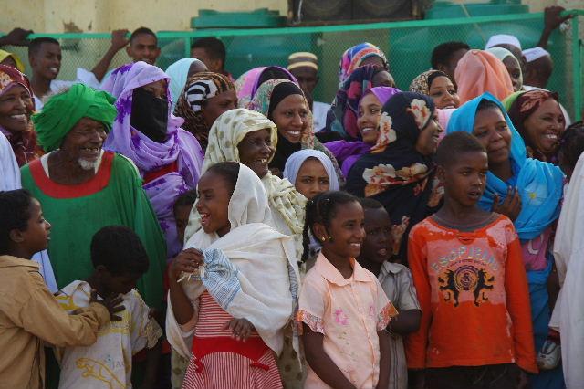 【スーダン周遊】 ハマデルニール・モスクのスーフィーの祭 (1)_c0011649_6233667.jpg