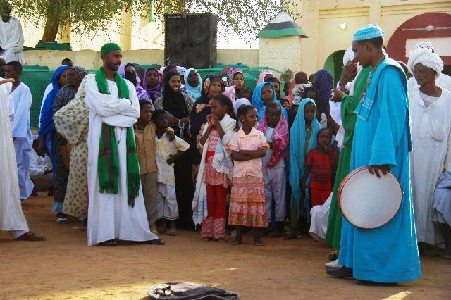 【スーダン周遊】 ハマデルニール・モスクのスーフィーの祭 (1)_c0011649_6285352.jpg