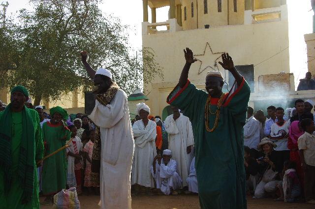 【スーダン周遊】 ハマデルニール・モスクのスーフィーの祭 (1)_c0011649_630232.jpg