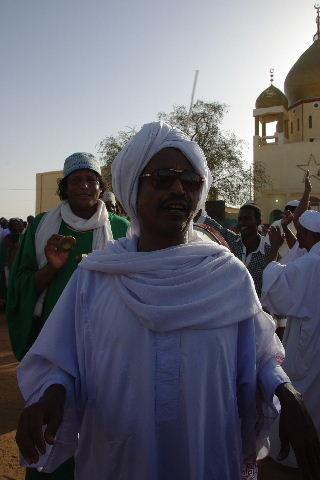 【スーダン周遊】 ハマデルニール・モスクのスーフィーの祭 (1)_c0011649_631628.jpg