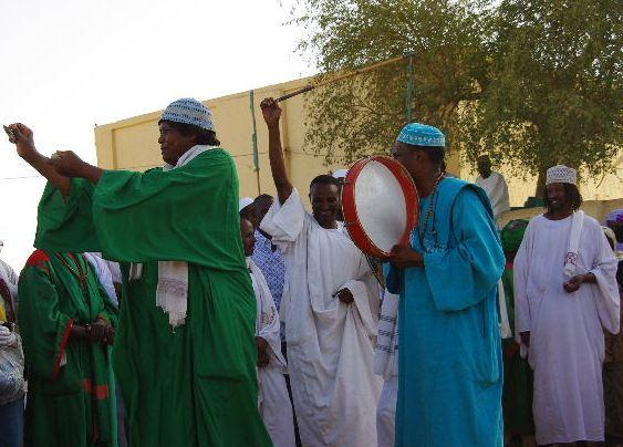 【スーダン周遊】 ハマデルニール・モスクのスーフィーの祭 (1)_c0011649_634735.jpg