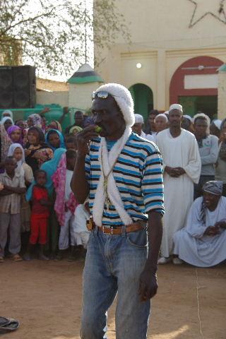 【スーダン周遊】 ハマデルニール・モスクのスーフィーの祭 (1)_c0011649_636287.jpg