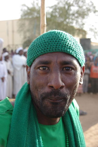 【スーダン周遊】 ハマデルニール・モスクのスーフィーの祭 (1)_c0011649_6424632.jpg