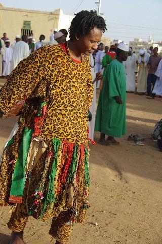 【スーダン周遊】 ハマデルニール・モスクのスーフィーの祭 (1)_c0011649_653246.jpg