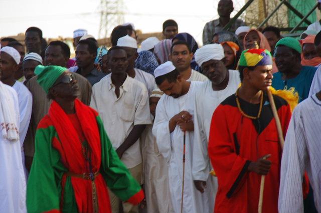 【スーダン周遊】 ハマデルニール・モスクのスーフィーの祭 (1)_c0011649_71032.jpg