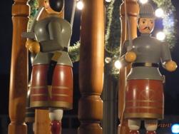 Nuernberg ニュルンベルクの夜のクリスマス _e0195766_6512137.jpg