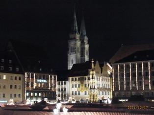 Nuernberg ニュルンベルクの夜のクリスマス _e0195766_652261.jpg