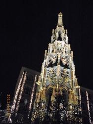 Nuernberg ニュルンベルクの夜のクリスマス _e0195766_6532762.jpg