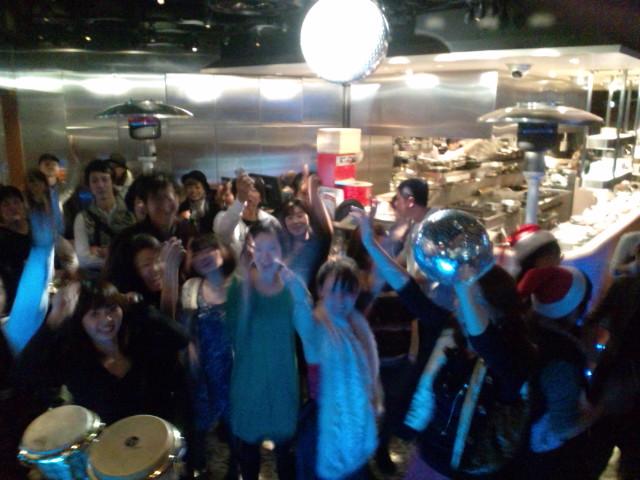 横浜リゴレット☆ラテンクリスマスパーティー大盛況!ご来場ありがとうございましたヾ(^▽^)ノ♪_b0032617_17435798.jpg